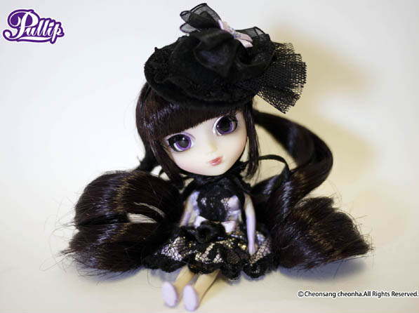 http://myanimeshelf.com/upload/dynamic/2012-02/26/Little_Pullip+_Bonita_gallery_42.jpg