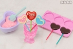 photo of Petit Sample Series Heart-shaped Pastry: Chocolate Lollipop