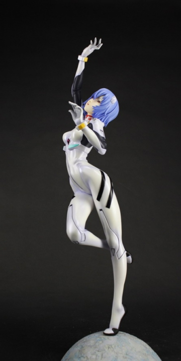 main photo of Ayanami Rei