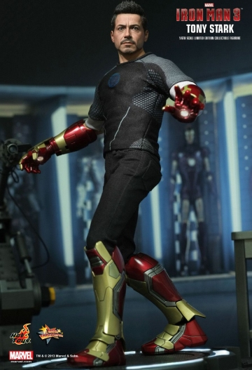 main photo of Movie Masterpiece: Iron Man 3 Tony Stark (Armor Testing Version)