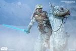 photo of Sixth Scale Figure Luke Skywalker Hoth Ver.