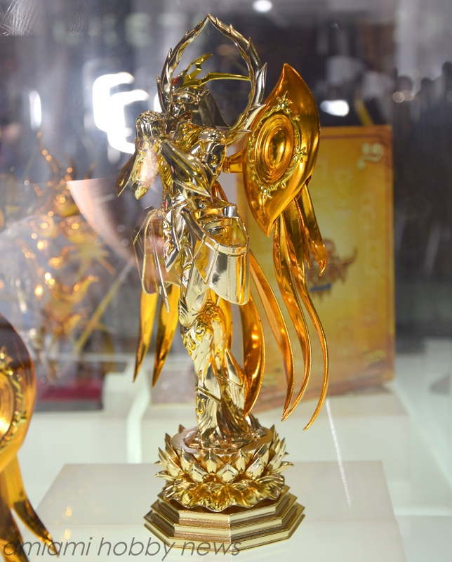 God Gold Cloth Myth Cloth ex Photo of Saint Cloth Myth ex