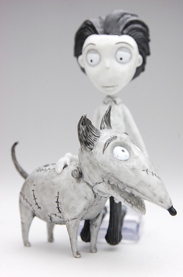 Frankenweenie Figure Collection Victor And Sparky My Anime Shelf