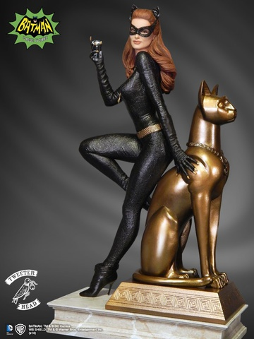 main photo of Catwoman Maquette Diorama