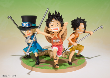 main photo of Figuarts ZERO Luffy & Ace & Sabo -Gikyoudai no Yakusoku-