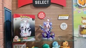 photo of Pokémon Deluxe Collector Figure Mewtwo